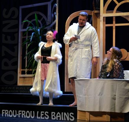 11 FROU-FROU-LES-BAINS scenographie F-Burkha Orzens GENERALE janv 2018